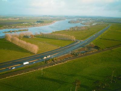 Fletcher Construction Co Ltd: 2002 Auckland - Rangiriri to Ohinewai SH1 project - aerial view