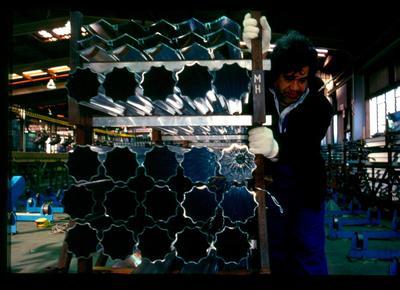 Fletcher Aluminium Ltd: 1996 Aluminium on the production line