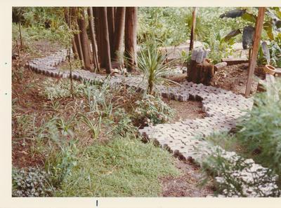 Winstone Ltd - Vibrapac Blocks Ltd - Gobi Block System: 1976 Gobi Block laid in driveway in Birkenhead, North Shore