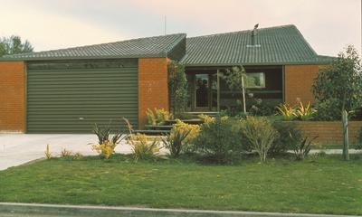 Winstone Ltd - Contracts using Winstone's Plimmerton Quarry tiles: 1969 Brick used in residential house