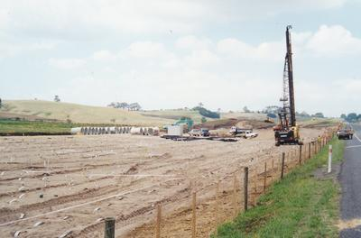 Hume Industries (NZ) Ltd - Hume Pipe Co: 2001 Humes Pipeline Systems Ltd - beginnings of the Mercer Long Swamp job, SH1, Waikato Expressway