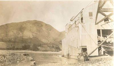 Fletcher Holdings Ltd - Stevenson & Cook Engineering Ltd: 1934 Gold dredging on the Shotover