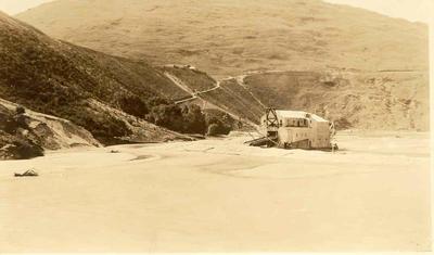 Fletcher Holdings Ltd - Stevenson & Cook Engineering Ltd: 1934 gold dredge on the Shotover River