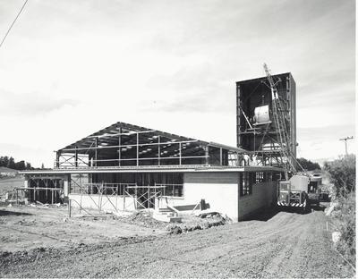 Fletcher Construction Co Ltd: 1961 Bell Tea building, Otara Industrial Estate, South Auckland - under construction