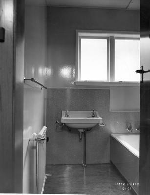 Fletcher Construction Co Ltd - The Hermitage, Aoraki/Mt Cook: 1958 bathroom in new hotel