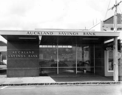 Fletcher Construction Co Ltd - Bank buildings, Auckland: 1961 Auckland Savings Bank (ASB), St Heliers Branch