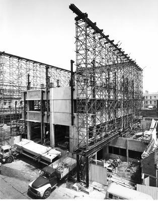 Fletcher Construction Co Ltd - Bank buildings, Auckland: 1965 BNZ Computer Centre, Victoria St - during construction