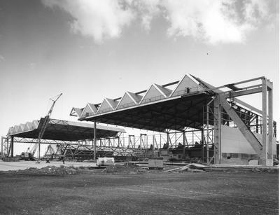 Fletcher Construction Co Ltd - Hangar and Workshop for TEAL, Auckland Airport, Mangere: 1964 steel frame construction