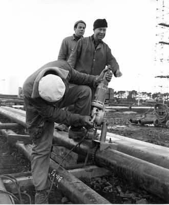 Fletcher Construction Co Ltd - Contracts - Kapuni Gas Pipeline, Taranaki to Auckland/Wellington: 1969 Alec Dordivk
