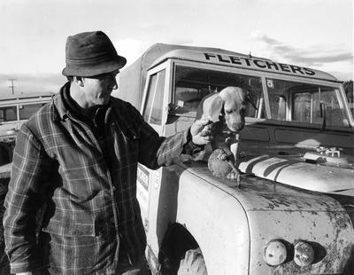 Fletcher Construction Co Ltd - Contracts - Kapuni Gas Pipeline, Taranaki to Auckland/Wellington: 1969 Don Blampied, condensate