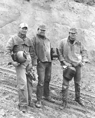 Fletcher Construction Co Ltd - Contracts - Kapuni Gas Pipeline, Taranaki to Auckland/Wellington: 1969 Mike Lynch and Doug Jones, Main Line Spread 2