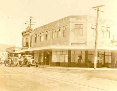 Winstone Ltd - Images of buildings using Winstone products: 1925 Regent Building, New Plymouth, Taranaki - Steeltex; Builders: Boon Bros; Cementone, Victorite, Keen's Cement.