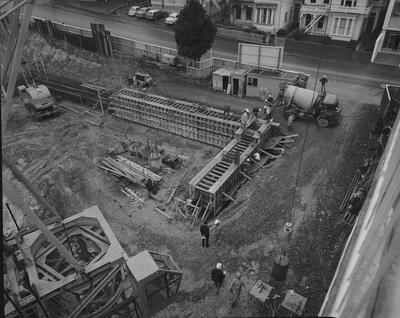 Fletcher Construction Co Ltd - sites and buildings, Wellington: 1968 IBM building, The Terrace - under construction, first pour